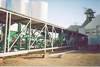 Wheatbelt grainloading conveyor system